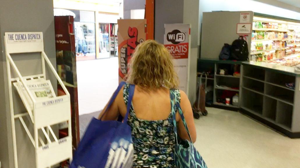 Bag Check Supermaxi El Vergel Cuenca Ecuador