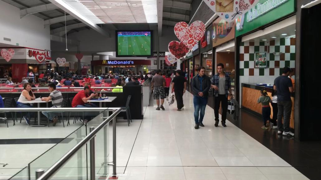 Mall del Rio Food Court Cuenca Ecuador
