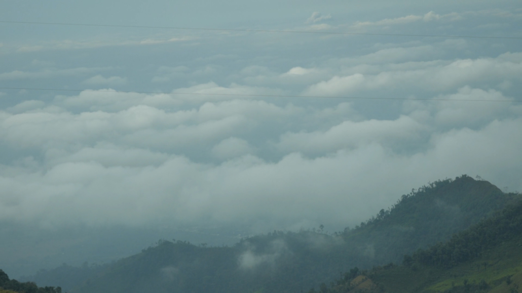 15 Bus Ride from Olón to Cuenca Ecuador Into the Clouds