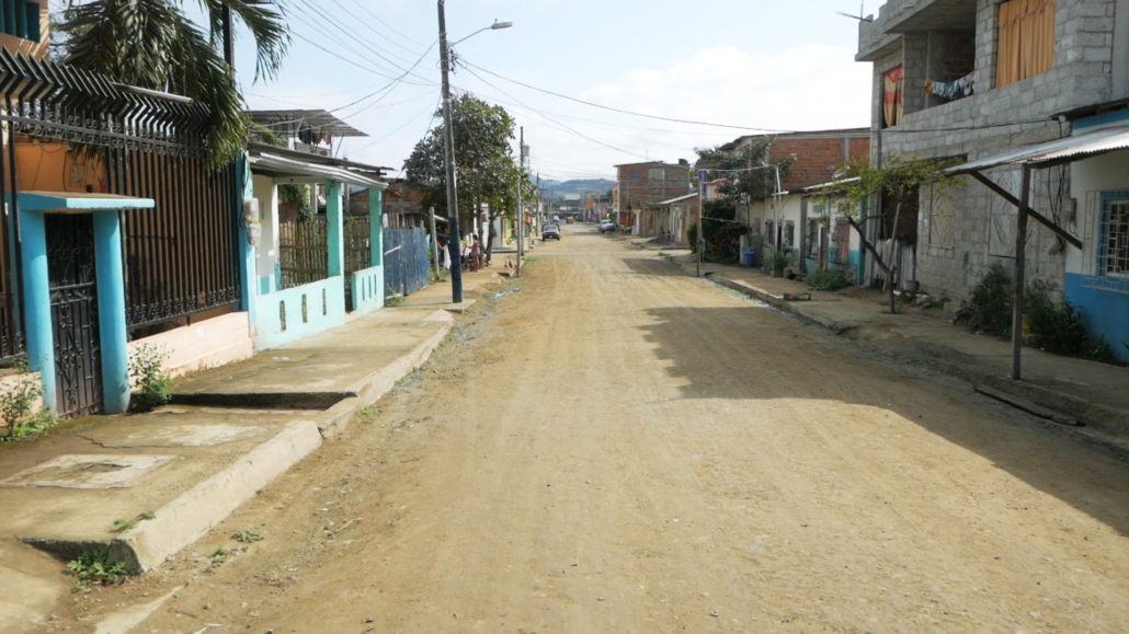 2 Puerto Lopez Whale Watching Dirt Street