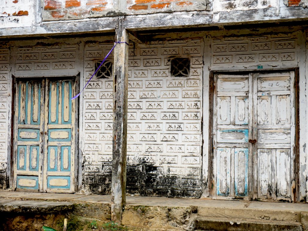 La Entrada Ecuador Old Building