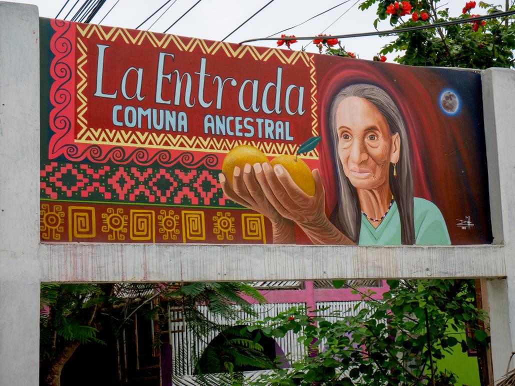 La Entrada Ecuador Sign 2
