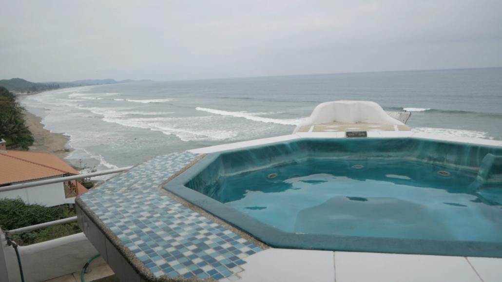 Villa de Los Sueños La Entrada Ecuador Hot Tub