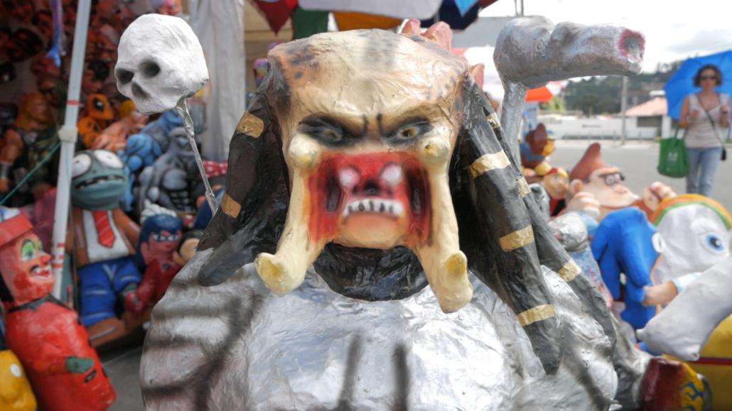 Cuenca Ecuador Monigotes Alien