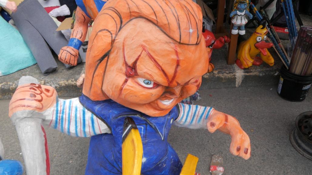 Cuenca Ecuador Monigotes Chuckie