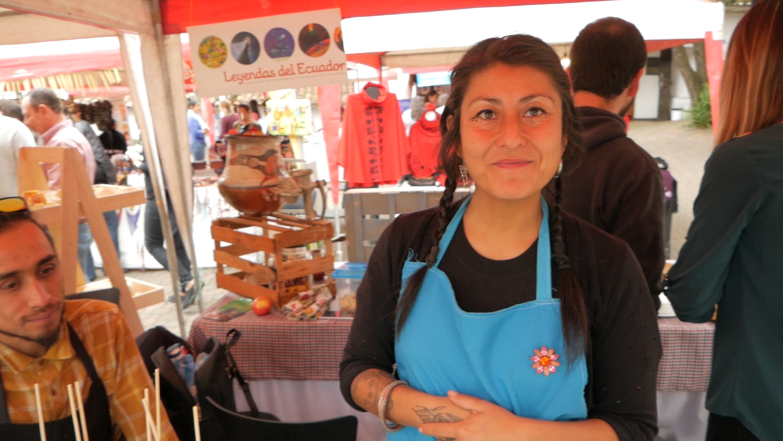 Allpa Feria Holística Cuenca Ecuador Kiosko Vegan Owner